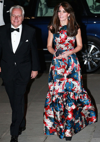 LONDON, ENGLAND - OCTOBER 27:  Catherine, Duchess of Cambridge attends the 100 Women In Hedge Funds Gala Dinner In Aid Of The Art Room at the Victoria and Albert Museum on October 27, 2015 in London, England.  (Photo by Chris Jackson - WPA Pool /Getty Images)
